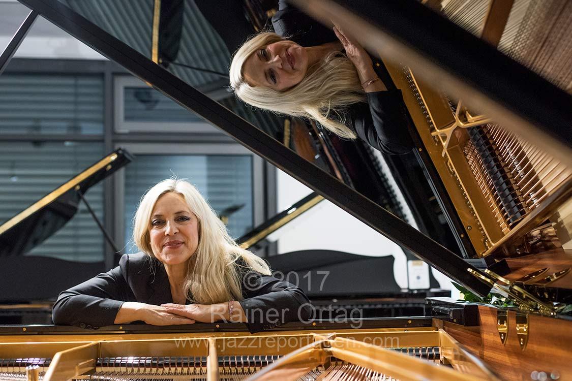 Anke Helfrich solo im Bechstein Centrum Tübingen 2017