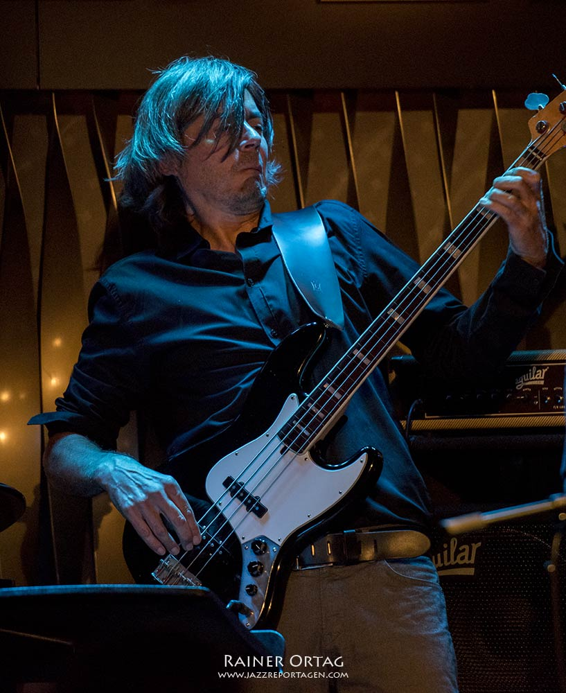 Dirk Blümlein mit dem New Peter Lehel Quartet im Jazzclub Bix Stuttgart
