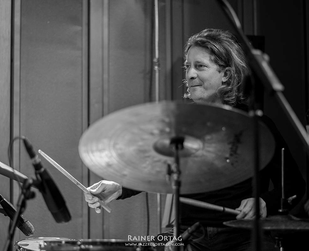Jens Düppe mit dem Anke Helfrich Trio im SWR Studio Tübingen 2020