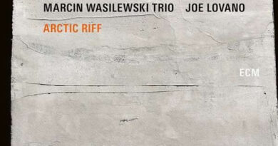 Marcin Wasilewski Trio feat. Joe Lovano - Arctic Riff