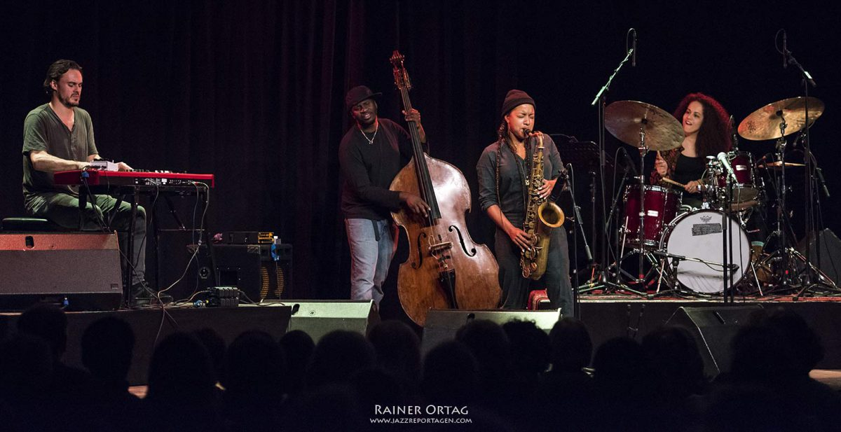 Nubya Garcia mit Band im Sudhaus Tübingen